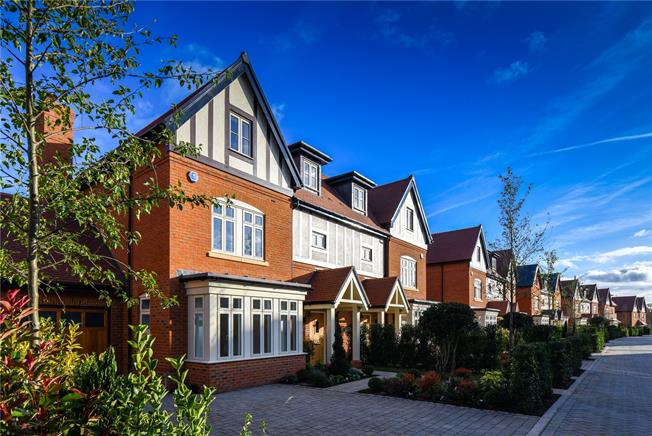 Asking Price £1,375,000, 5 Bedroom House For Sale in Taplow, Maidenhead, SL6