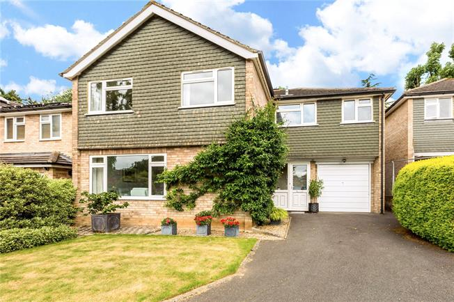 Asking Price £750,000, 5 Bedroom Detached House For Sale in Maidenhead, SL6