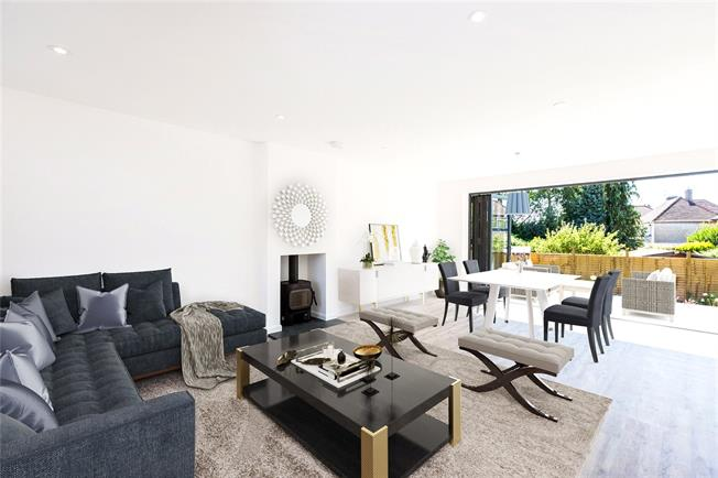 Asking Price £675,000, 3 Bedroom Detached House For Sale in Maidenhead, SL6
