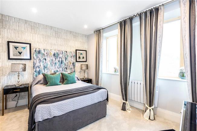 Asking Price £275,000, 1 Bedroom Flat For Sale in Berkshire, SL6