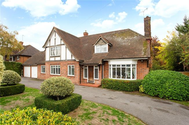 Guide Price £1,250,000, 5 Bedroom Detached House For Sale in Berkshire, SL6