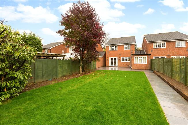Guide Price £700,000, 4 Bedroom Detached House For Sale in Berkshire, SL6