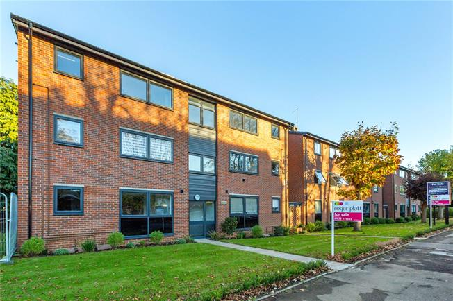 Asking Price £227,500, 1 Bedroom Flat For Sale in Maidenhead, SL6
