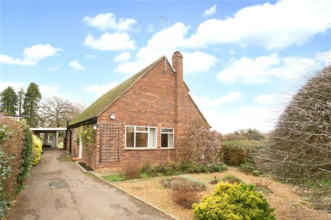 Guide Price £575,000, 3 Bedroom House For Sale in Taplow, SL6
