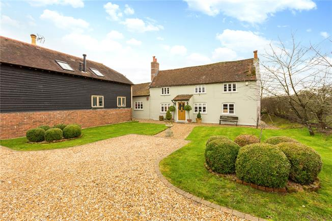 Guide Price £1,500,000, 4 Bedroom Detached House For Sale in Berkshire, RG40