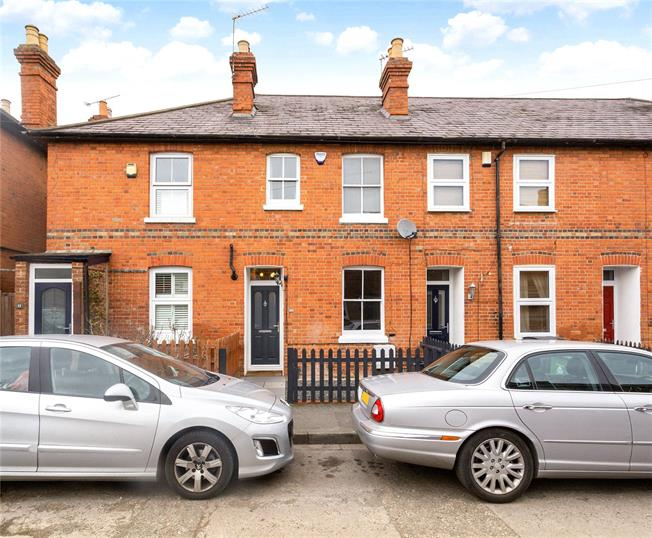 Guide Price £400,000, 2 Bedroom Terraced House For Sale in Maidenhead, SL6