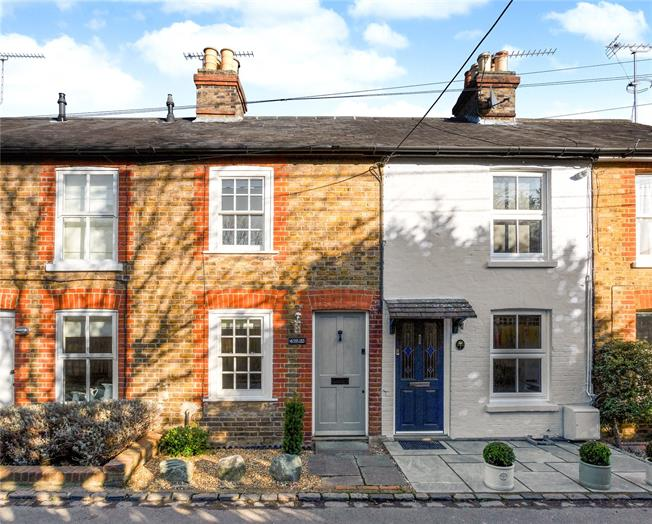 Guide Price £390,000, 2 Bedroom Terraced House For Sale in Cookham, Maidenhead, SL6