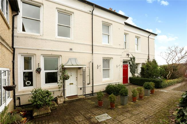 Guide Price £650,000, 3 Bedroom Mews House For Sale in Maidenhead, SL6