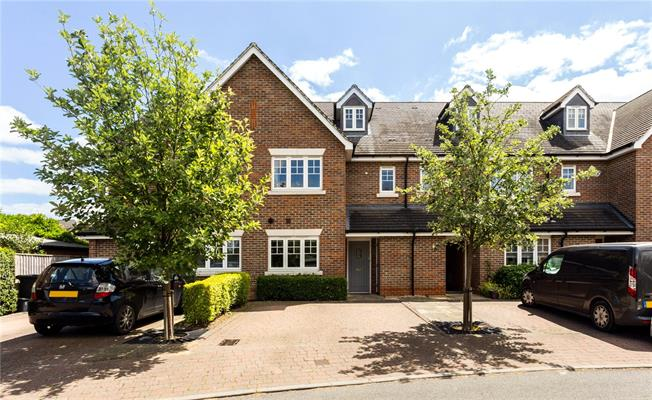 Guide Price £525,000, 4 Bedroom House For Sale in Maidenhead, SL6
