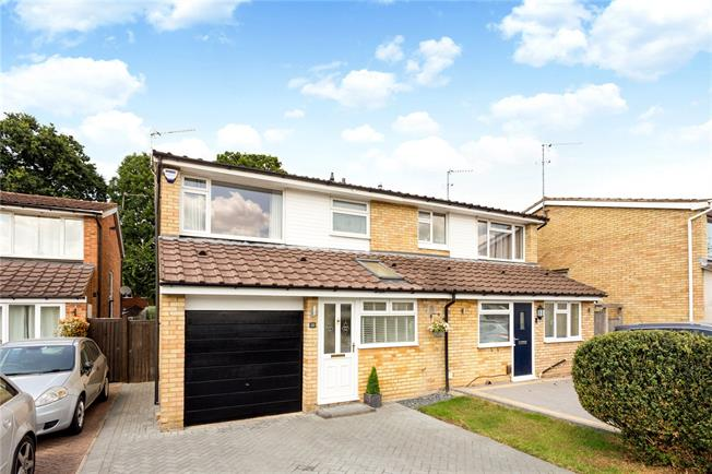 Guide Price £460,000, 3 Bedroom Semi Detached House For Sale in Maidenhead, SL6