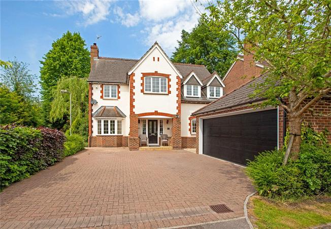 Guide Price £670,000, 6 Bedroom Detached House For Sale in Marlborough, SN8