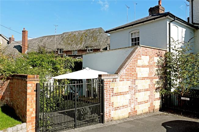 Guide Price £375,000, 2 Bedroom Terraced House For Sale in Pewsey, Wiltshire, SN9