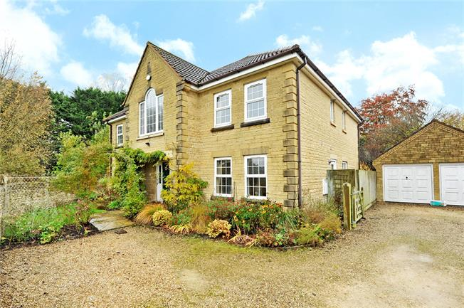 Guide Price £540,000, 5 Bedroom Detached House For Sale in Calne, SN11