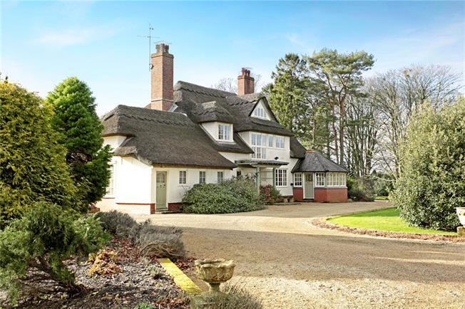 Guide Price £1,350,000, 4 Bedroom Detached House For Sale in East Grafton, SN8