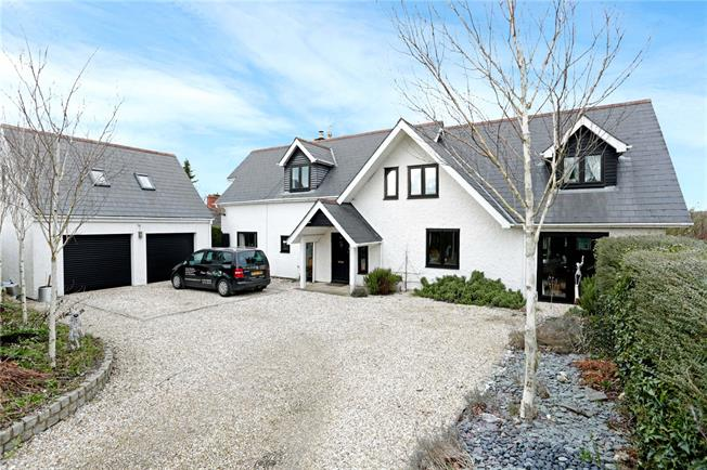 Guide Price £815,000, 5 Bedroom Detached House For Sale in Marlborough, SN8