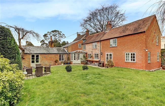 Guide Price £735,000, 5 Bedroom Detached House For Sale in Marlborough, Wiltshire, SN8