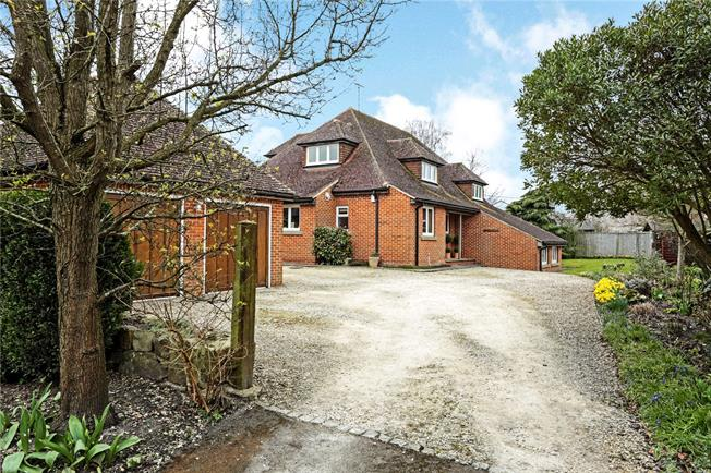 Guide Price £675,000, 4 Bedroom Detached House For Sale in West Overton, SN8