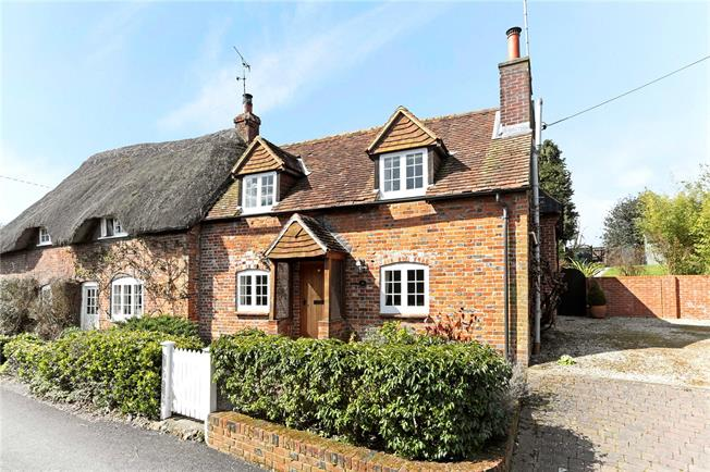 Guide Price £430,000, 2 Bedroom Semi Detached House For Sale in Great Bedwyn, SN8