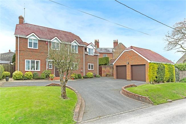 Guide Price £575,000, 5 Bedroom Detached House For Sale in Charlton, SN9