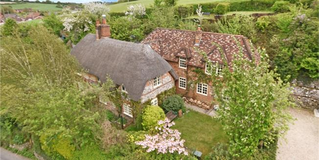 Guide Price £645,000, 4 Bedroom Detached House For Sale in Froxfield, SN8