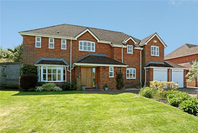 Guide Price £795,000, 5 Bedroom Detached House For Sale in Lockeridge, SN8
