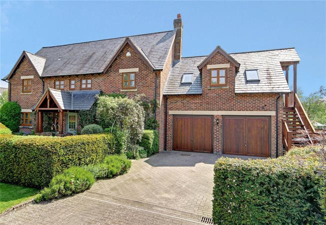 Guide Price £795,000, 5 Bedroom Detached House For Sale in East Grafton, SN8