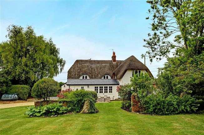 Guide Price £650,000, 4 Bedroom Detached House For Sale in Horton, SN10