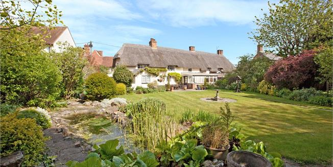 Guide Price £895,000, 5 Bedroom Detached House For Sale in Wiltshire, SN8