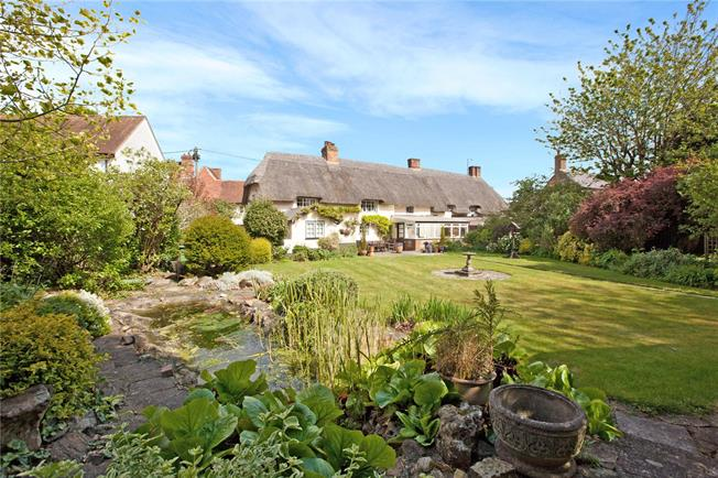 Guide Price £920,000, 5 Bedroom Detached House For Sale in Aldbourne, SN8