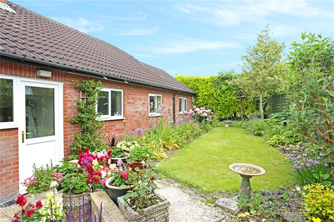 Offers in excess of £360,000, 3 Bedroom Bungalow For Sale in Cherhill, SN11