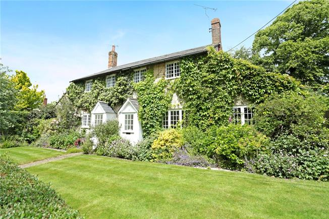 Guide Price £650,000, 3 Bedroom Detached House For Sale in Wilcot, SN9