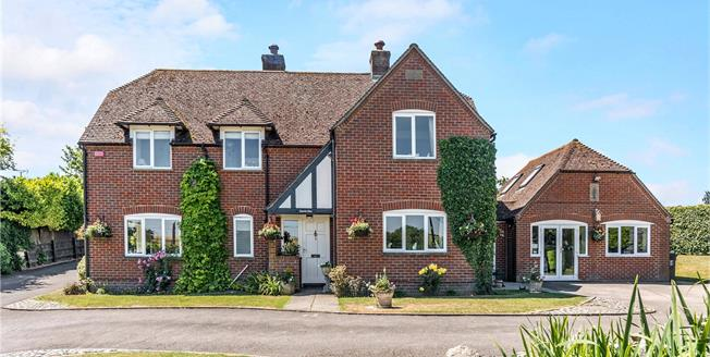 Guide Price £750,000, 4 Bedroom Detached House For Sale in Marlborough, Wiltshire, SN8