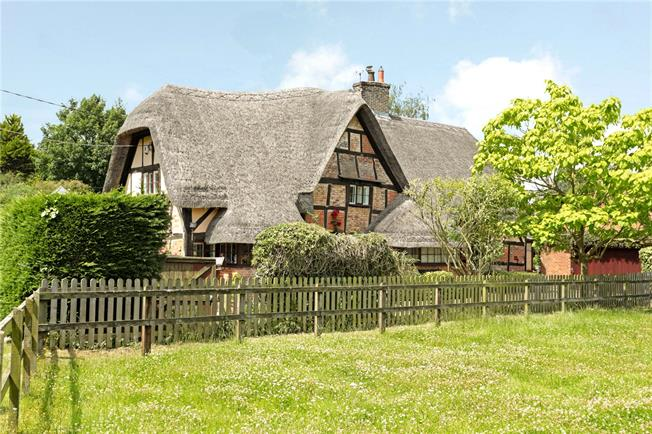Guide Price £595,000, 3 Bedroom Detached House For Sale in Wedhampton, SN10