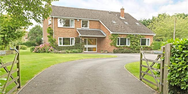 Guide Price £675,000, 5 Bedroom Detached House For Sale in Wiltshire, SN10