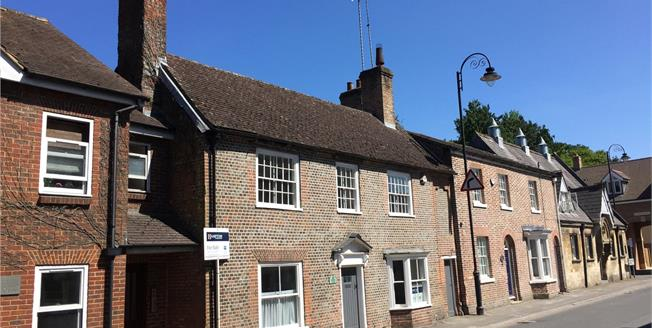 Guide Price £420,000, 3 Bedroom Terraced House For Sale in Pewsey, SN9