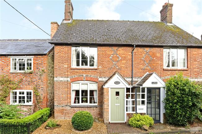 Guide Price £300,000, 2 Bedroom Semi Detached House For Sale in Marlborough, Wiltshire, SN8