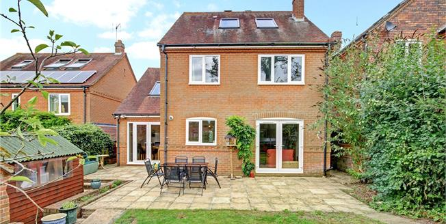 Guide Price £530,000, 5 Bedroom Detached House For Sale in Marlborough, Wiltshire, SN8