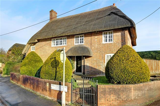 Guide Price £595,000, 4 Bedroom Detached House For Sale in Wiltshire, SN9