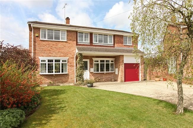 Guide Price £565,000, 5 Bedroom Detached House For Sale in Burbage, SN8