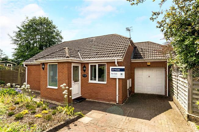 Guide Price £380,000, 3 Bedroom Bungalow For Sale in Marlborough, Wiltshire, SN8