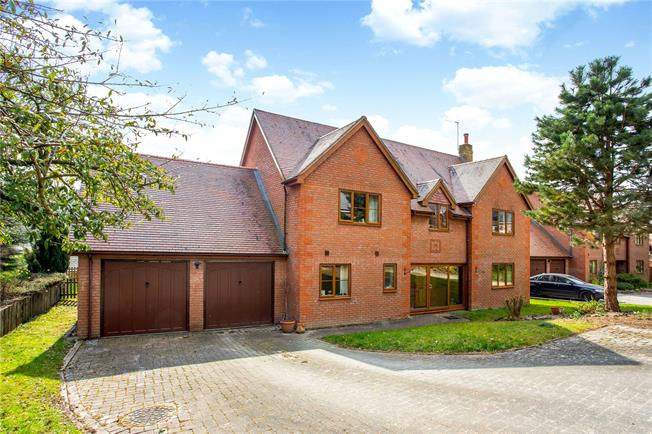 Guide Price £625,000, 4 Bedroom Detached House For Sale in Wiltshire, SN8