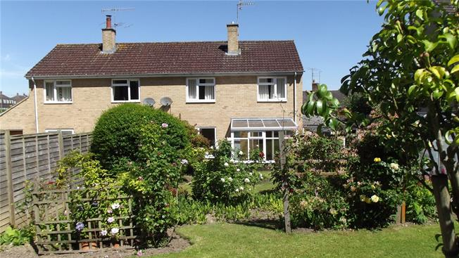 Guide Price £315,000, 3 Bedroom Semi Detached House For Sale in Wiltshire, SN8