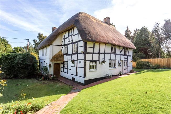 Guide Price £775,000, 5 Bedroom Detached House For Sale in Marlborough, Wiltshire, SN8