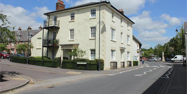 Guide Price £170,000, 1 Bedroom Flat For Sale in Pewsey, SN9