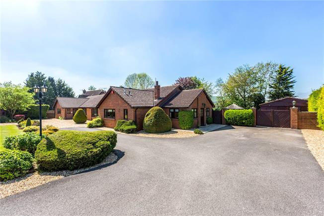 Guide Price £850,000, 4 Bedroom Bungalow For Sale in Wiltshire, SN8