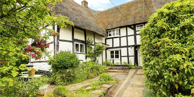 Offers in excess of £199,950, 1 Bedroom Semi Detached House For Sale in Pewsey, SN9