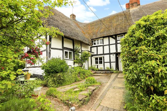 Guide Price £205,000, 1 Bedroom Semi Detached House For Sale in Pewsey, SN9