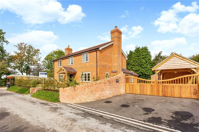 Guide Price £699,999, 4 Bedroom Detached House For Sale in Wiltshire, SN9