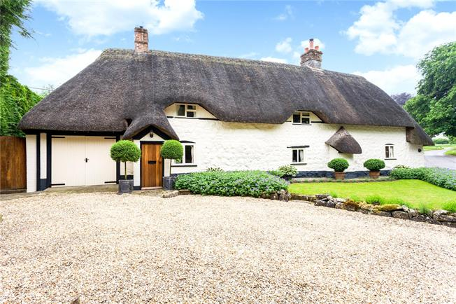 Guide Price £625,000, 3 Bedroom Detached House For Sale in Wiltshire, SN8