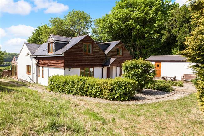 Guide Price £725,000, 5 Bedroom Detached House For Sale in Baydon, SN8